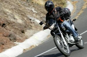 bezpieczna podróż motocyklem