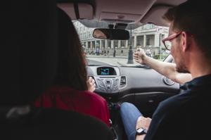 Na czym polega egzamin na placu manewrowym?, prawo jazdy opole